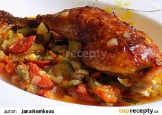 Kuřecí stehna na pikantní zelenině recept - TopRecepty.cz No Salt Recipes, Clean Recipes, Ratatouille, Chicken Wings, Pork, Food And Drink, Menu, Treats, Ethnic Recipes