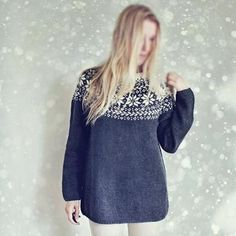 With this pattern by Silver Ish Moon you will lear how to knit a Knitting Pattern - Beautiful Norwegian Sweater step by step. It is an easy tutorial about norwegian to knit with crochet or tricot. Norwegian Knitting, Norwegian Wood, Sweater Knitting Patterns, Knit Patterns, Graphic Pattern, Nordic Sweater, Icelandic Sweaters, Loose Sweater, Ski Sweater