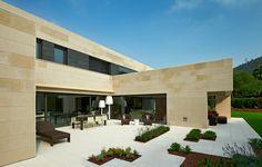 Casa en la Bilbanía / Foraster Arquitectos Casa en la Bilbanía / Foraster Arquitectos – Plataforma Arquitectura