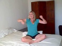 Upper Body Cardio Workout in Bed w/ Laurel House Video Description Ankle, foot or leg injury? Or just too lazy to get out of bed? You can still do an Upper Body Cardio workout to burn calories, trim fat, tone your muscles and lift your spiritis!