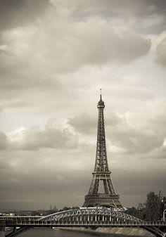 Eiffel Tower - Paris - France (by Jason Paris Travel, France Travel, Paris Architecture, Scenery Pictures, Paris Images, Paris Love, Paris Eiffel Tower, Romantic Places, Dream City
