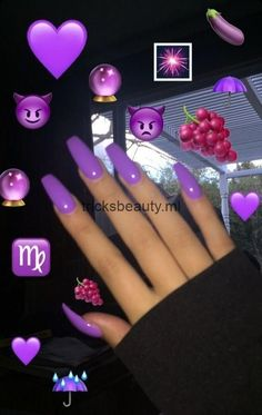 Christmas nails acrylic - Simple Festive Christmas Acrylic Nail Designs for Winter Trendy Nails, Cute Nails, Cute Nail Colors, Fancy Nails, Purple Acrylic Nails, Neon Purple Nails, Winter Acrylic Nails, Coffin Acrylic Nails Long, Purple Chrome Nails