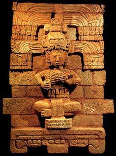 La Toltecayotl,deidad tolteca,ella representa el conjunto de conocimientos y sabiduria,generada por los toltecas,con miras a la concuncion de la mas elevada mision del ser humano en la vida.  Mueo Nacional de Antropologia