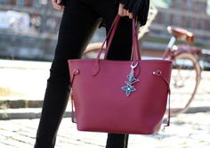 Louis Vuitton Neverfull Shoulder Bags M40882: Louis Vuitton Online Sale Store- Save Up To 85% Off | See more about shoulder bags, louis vuitton and bags. | See more about shoulder bags, louis vuitton and bags. | See more about shoulder bags, louis vuitton and bags.