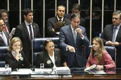 """BLOG  """"ETERNO APRENDIZ"""" : PRESIDENTE DO SENADO SÓ CONSEGUE PRESIDIR A SESSÃO..."""