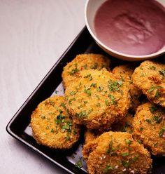 Garanti for begejstring! Imponer vennerne med denne panerede kartoffelsnack. Den er let at lave - men husk lige, at, der skal fryses undervejs i 2 timer.