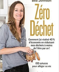 zero waste home bea / home zero waste + zero waste home decor + minimalist zero waste home + zero waste home ideas + zero waste home bea johnson + zero waste home bea + zero waste home products + zero waste diy home Laura Lee, Super Green, Zero Waste Home, Diys, Amazon Fr, Lectures, Gandhi, Guide, Green Lifestyle