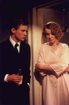 Still of Ryan Phillippe and Emily Watson in Gosford Park (2001)