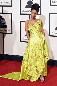 Grammy nominated Lianne La Havas takes center stage in our Sueno Corset Gown from the Couture Collection.