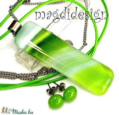 Opálos zöld hullámzás üvegékszer szett, nyaklánc, pötty fülbevaló - Meska.hu Water Bottle, Drinks, Drinking, Beverages, Water Bottles, Drink, Beverage