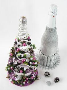 Diy Christmas Gifts For Kids, Christmas Tree Crafts, Christmas Holidays, Christmas Centerpieces, Christmas Decorations, Candy Arrangements, Valentine Baskets, Wine Bottle Gift, Bottle Crafts