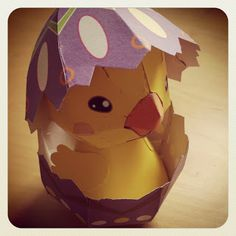 Paper easter egg with chick (free download)