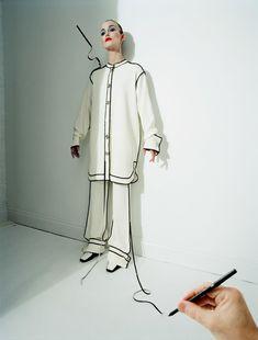 """Keira Knightley em """"The Creative Review"""" da Vogue UK de 100 anos, por Tim Walker."""