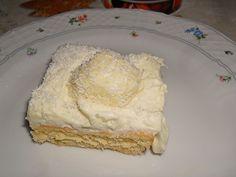Zutaten   Für die Creme:    2 BecherSchlagsahne  200 gSchokolade, weiße    Für den Biskuitboden:    5 Ei(er)  180 gPuderzucker...