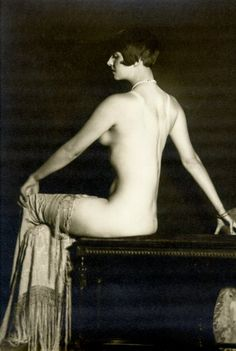 Louise Brooks (1906-1985). A legendary american actress of the silent film Germany in 1929 www.fashion.net