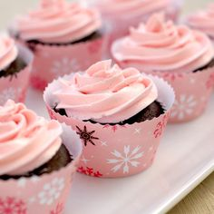 Such cheerfully pretty Peppermint Mocha Cupcakes. #cooking #food #delicious #baking #pink #winter #Christmas #cupcakes #mint
