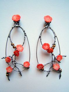 "Earrings | ""PIMARIPI"" bijoux - Old silver, coral and pearls"