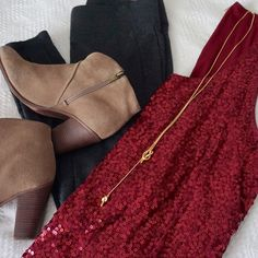 JCrew burgundy red sequin sleeveless top XL Gorgeous deep red burgundy JCrew sequin top, size XL. The perfect color for winter! This top looks great with a blazer or pants. A great pop of color and fun for your winter wardrobe. J. Crew Tops Tank Tops