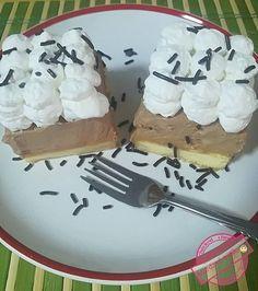 Könnyű, habos krémes finomság. Ha valami egyszerű édességre vágysz, próbáld ki ezt a csodás receptet. Hozzávalók : 6 tojásból sütött piskóta A krémhez: 25 dkg mascarpone 10 dkg étcsokoládé 5 dl hulala tejszín 1 cs zseléfix Elkészítése: A szoba hőmérsékletű … Egy kattintás ide a folytatáshoz.... →