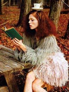 Coco Rocha reading and balancing a teacup on her head. Coco Rocha is wearing the Emanuel Ungaro Spring 2011 lace dress with a feathered skirt. Look Fashion, Fashion Models, High Fashion, Womens Fashion, Matt Jones, Italy Fashion, Strike A Pose, Redheads, Metallica