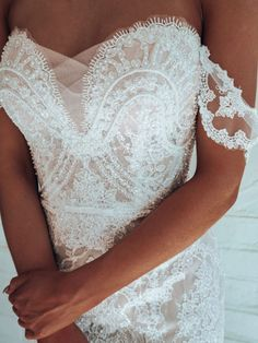 Fall in love with pearl beading and delicate lace scalloping on the 'Dream' gown from Rachel Rose Bridal. Dream Wedding Dresses, Wedding Gowns, Bluebell Bridal, Bridal Stores, Bridal Flowers, Bridal Boutique, Bridal Collection, Lace Detail, Bridal Gowns