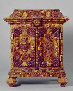Amber Veneered Cabinet, Northern Germany (Königsberg), c. 1700/10 -- Germanischen National Museum Nürnberg   Objektkatalog