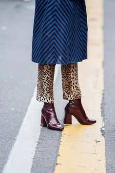 Ankle boots | Mixed prints | Leopard | Wine red | Streetstyle | More on Fashionchick.nl