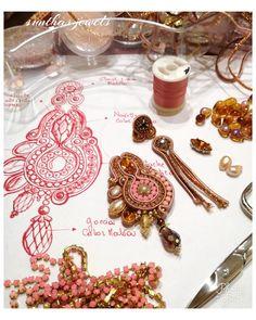 By sunthas jewels Soutache Pendant, Soutache Necklace, Soutache Tutorial, Jewellery Sketches, Xmas Decorations, Sisal, Shibori, Beaded Embroidery, Boho Jewelry