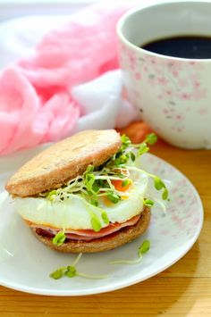 Angolmuffin-reggeli cukormentesen Salmon Burgers, Chicken, Ethnic Recipes, Food, Essen, Meals, Yemek, Eten, Cubs