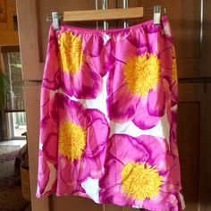 Roxy tropical flower skirt Fully lined. Perfect like new condition. 100% cotton. Size 5 in misses Roxy Skirts Midi
