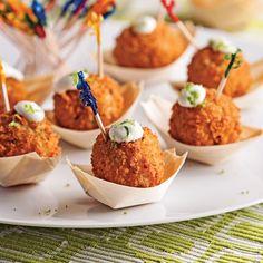 Boulettes de crabe croustillantes One Bite Appetizers, Best Appetizer Recipes, Best Appetizers, Fingers Food, Catering Menu, Recipe For Mom, Mini Foods, Brunch, Food And Drink