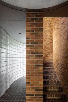"subtilitas: "" Broekx-Schiepers Architecten - House H, Belgium 2015. Via, photos © Stijn Bollaert. Keep reading """