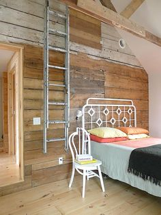 Reclaimed Wood for bedroom wall