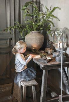7 alternatieven voor de klassieke kerstboom | Wonen Landelijke Stijl Table Decorations, Baby Girls, Bouquets, Holidays, Home Decor, Desk, Xmas, Homes, Vacations