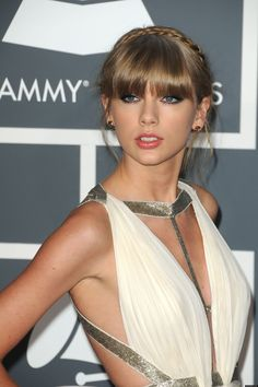 Taylor Swift has been slapped with a lawsuit for allegedly keeping a multi-million dollar paycheck even though she never performed the gig. Taylor Swift Album, Taylor Alison Swift, Miss Americana, Taylor Swift Pictures, Hollywood Celebrities, Sexy Dresses, Sexy Women, Celebs, Singer