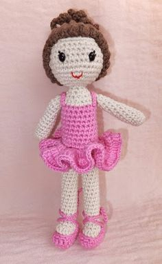 2000 Free Amigurumi Patterns: Ballerina crochet pattern