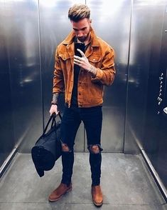 Men's jeans outfit ideas for winters. No matter how easy it is to style jeans, we can still make fashion blunders when putting an outfit together. Cool Outfits, Casual Outfits, Men Casual, Men's Outfits, Jeans Outfit Winter, Outfit Trends, Mens Style Guide, Dope Fashion, Style Fashion