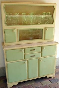 MENTŐÖTLET - kreáció, újrahasznosítás: Kredencek felújítva Decoration, Vintage Kitchen, Creative Inspiration, Dyi, Diy And Crafts, Kitchen Appliances, Cabinet, Storage, House