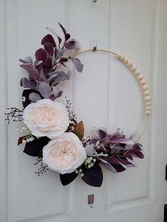 Wreath Crafts, Diy Wreath, Flower Crafts, Wreath Ideas, Indoor Wreath, Modern Wreath, Floral Hoops, How To Make Wreaths, Neutral
