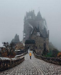 Замок Эльц. Германия.