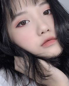 Ulzzang Korean Girl, Cute Korean Girl, Short Grunge Hair, Beautiful Asian Girls, Photo Editing, Make Up, Portrait, Beauty, Instagram