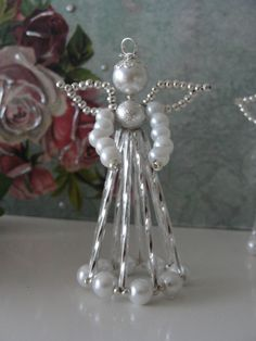 etwas-special - Gifts & Decorations for someone special - Shop Beaded Christmas Ornaments, Angel Ornaments, Christmas Jewelry, Christmas Angels, Handmade Christmas, Christmas Crafts, Safety Pin Crafts, Beaded Angels, Handmade Angels