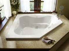 Jacuzzi Primo W x L White Acrylic Corner Front Center Drain Drop-In Whirlpool Tub at Lowe's. Made for two, the PRIMO® corner bath is a spacious way to share moments of private pampering or solo relaxation. Jacuzzi Hot Tub, Jetted Tub, Jacuzzi Bathroom, Bathroom Tubs, Master Bathroom, Corner Tub, Steam Showers Bathroom, Bathrooms, Malibu Homes