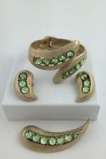 VINTAGE GOLD TONE METAL & PERIDOT RHINESTONES BYPASS BRACELET,EARRINGS & PIN SET
