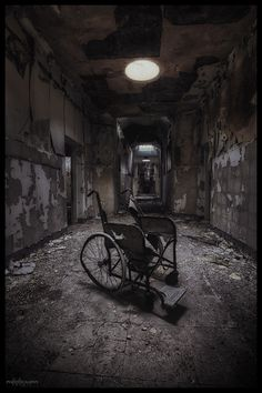 Time's a healer Scary Photography, Halloween Photography, Emotional Photography, Abandoned Asylums, Abandoned Buildings, Abandoned Places, Silent Hill, Arte Horror, Horror Art
