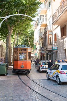 Mallorca Food & Travel Guide Sóller Tram Feed me up before you go-go