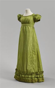 Réunion des Musées Nationaux-Grand Palais - I love gowns of the regency era. This one has an amazing color.