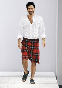 Marc Jacobs rocking the look, shame about the sandals!