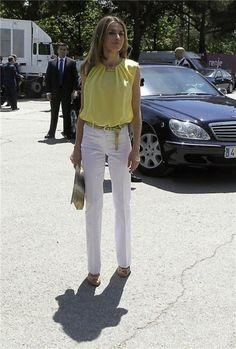 Famosas con looks low cost: fotos de los estilismos