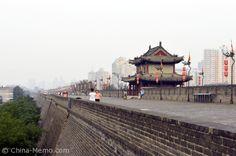 China Xi'an City Wall. www.china-memo.com